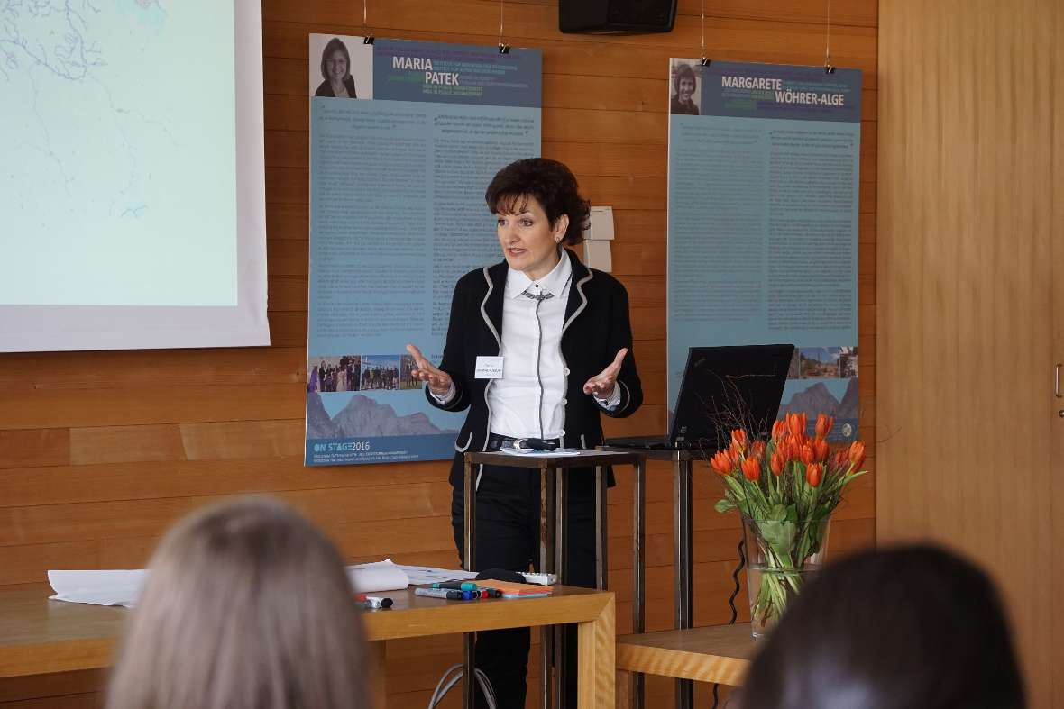 Olivera Zurovac-Kuzman giving a presentation